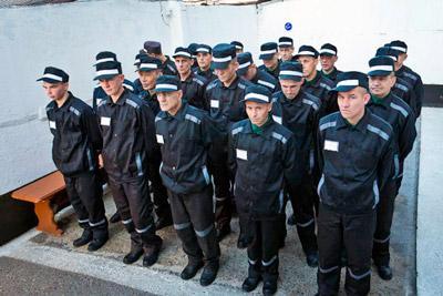 Заключенные в тюрьме
