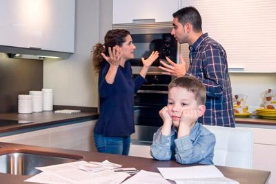 Конфликт родителей при ребенке