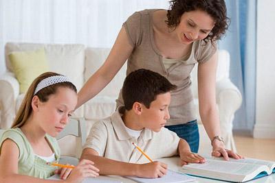 Делать уроки с детьми