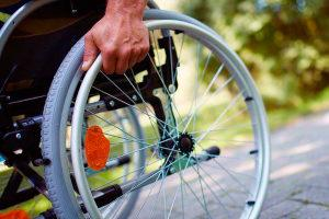 Человек на коляске