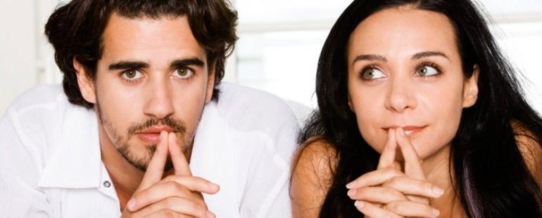 Свидетельство о заключении брака забирают при разводе или нет