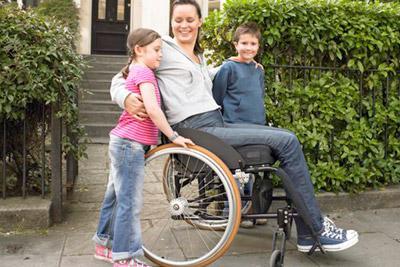 Мама на инвалидной коляске