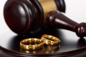 Судебное расторжение брака