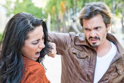 Избиение жены мужем