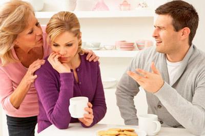 Теща провоцирует скандалы в семье